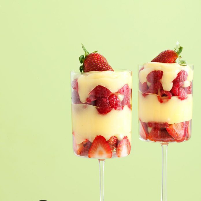Amaretto Custard Berry Parfaits