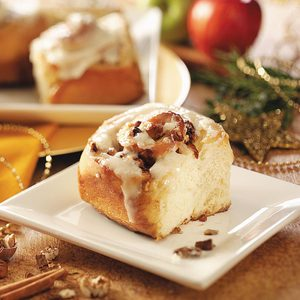 Apple-Pecan Cinnamon Rolls