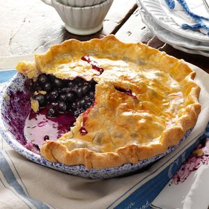 Blueberry Pie with Lemon Crust