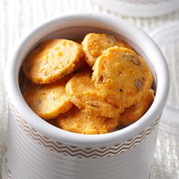 Cheddar-Pecan Crisps