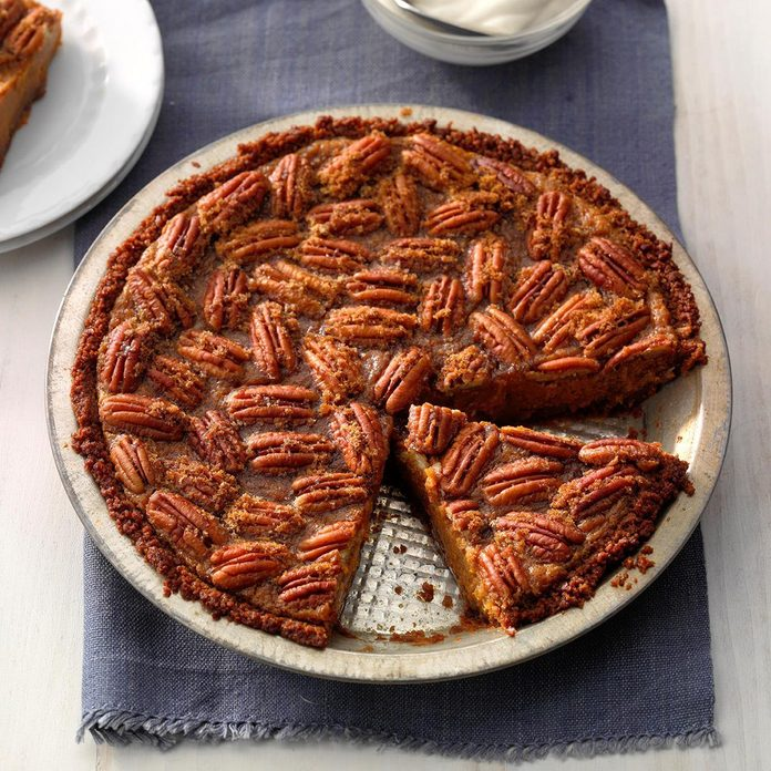 Gingersnap Sweet Potato Praline Pie