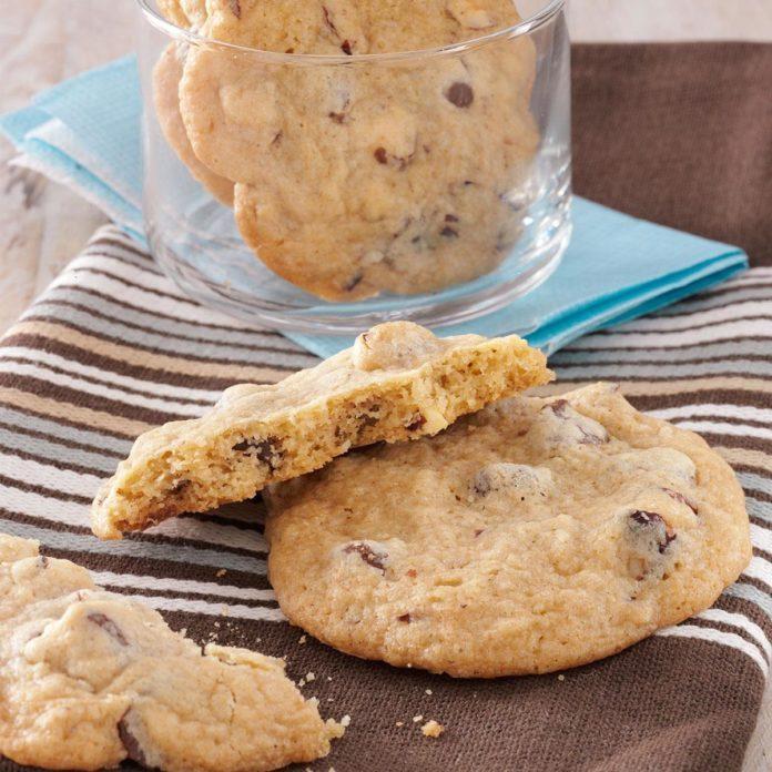 Oregon's Hazelnut Chocolate Chip Cookie