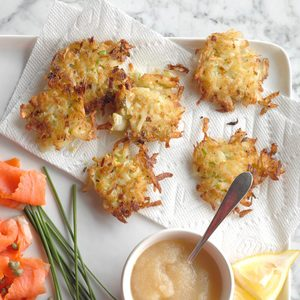 10 Tasty Latke Topping Ideas