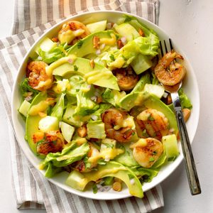 Shrimp 'n' Scallops Tropical Salad