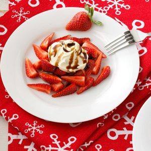 Strawberries with Vanilla Mascarpone and Balsamic Drizzle
