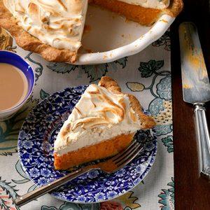 Sweet Potato-Gingerbread Meringue Pie