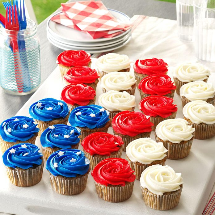 Patriotic Cookie & Cream Cupcakes