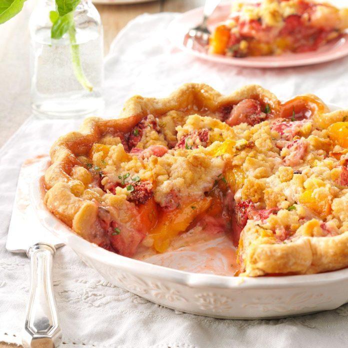 Juicy Peach & Strawberry Crumb Pie