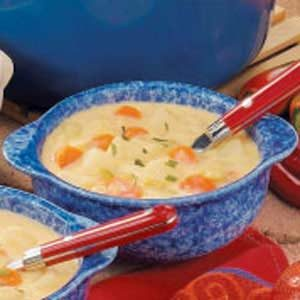Cheesy Cheddar Vegetable Soup