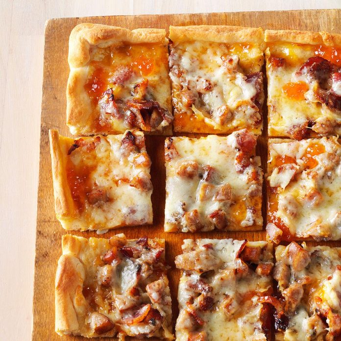 Brat & Bacon Appetizer Pizza