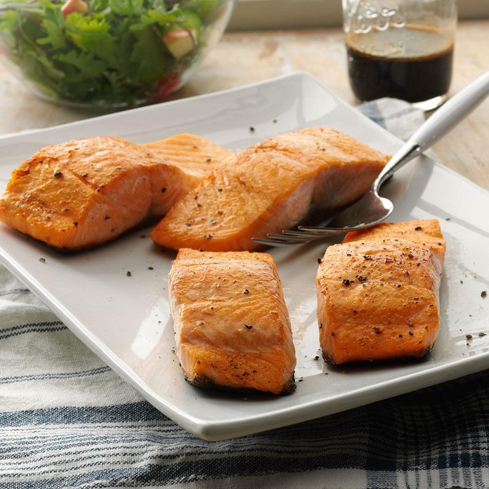 Seared Salmon with Balsamic Sauce