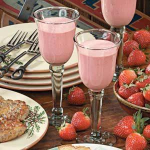 Creamy Strawberry Breeze