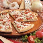 Garlic-Onion Tomato Pizza