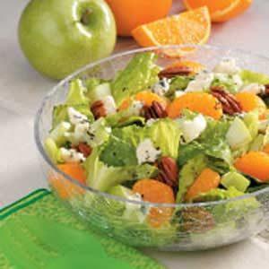 Blue Cheese 'n' Fruit Tossed Salad