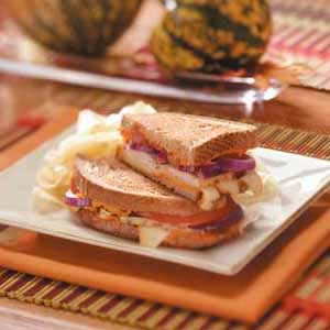 Turkey Sandwiches With Red Pepper Hummus