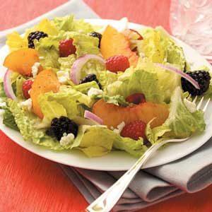 Berry Peach Tossed Salad