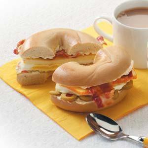 Bacon 'n' Egg Bagels