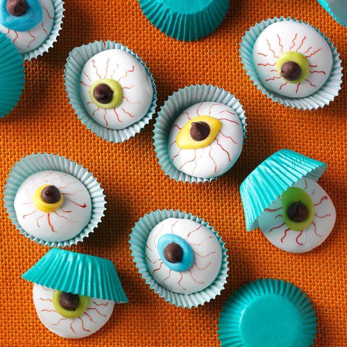 Spooky Snack: Eyeball Cookies