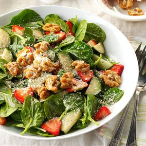 Strawberry Spinach Salad with Candied Walnuts