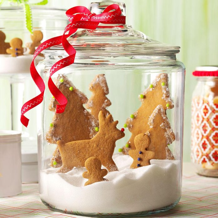 Gingerbread Snow Globe