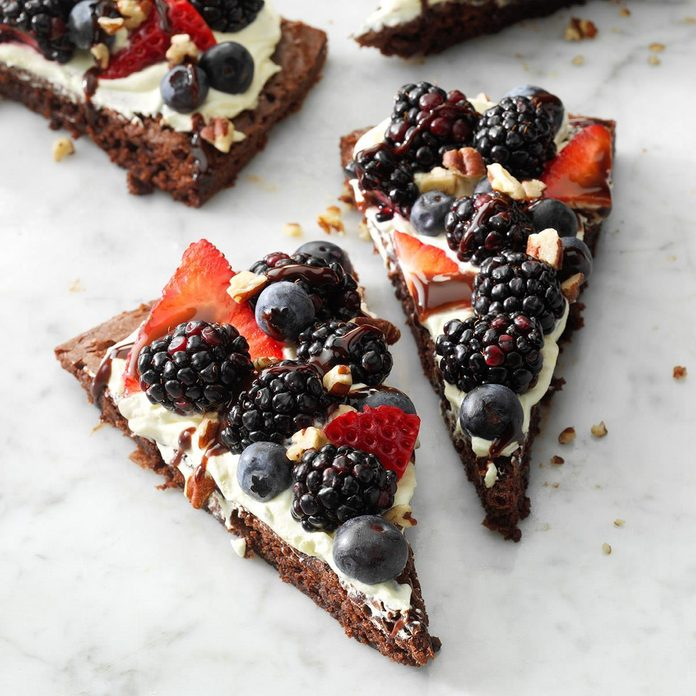 Berry Brownie Pizza