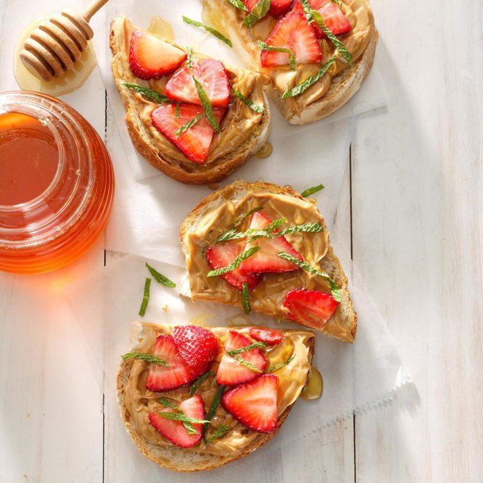 Peanut Butter, Strawberry and Honey Sandwich