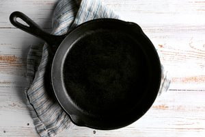 The Dos and Don'ts of How to Clean a Cast Iron Skillet
