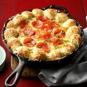 Cheesy Skillet Pizza Dip in cast-iron skillet