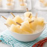 How to Make Popsicles With or Without a Mold