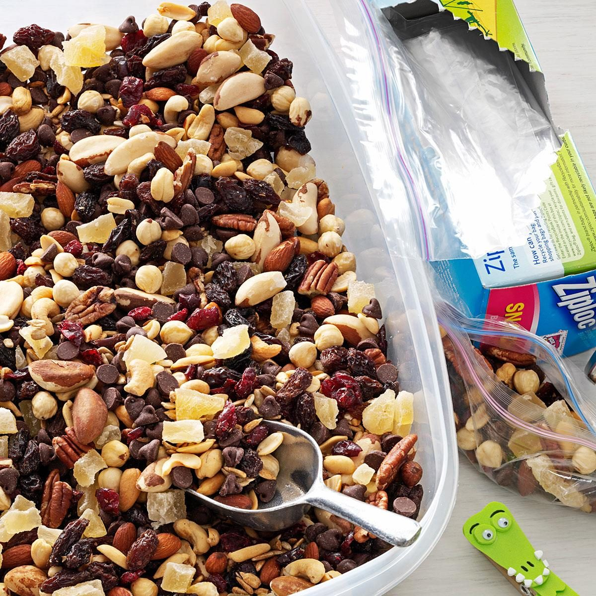 Nutty berry trail mix