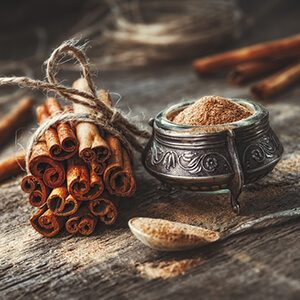 Ground cinnamon, cinnamon sticks