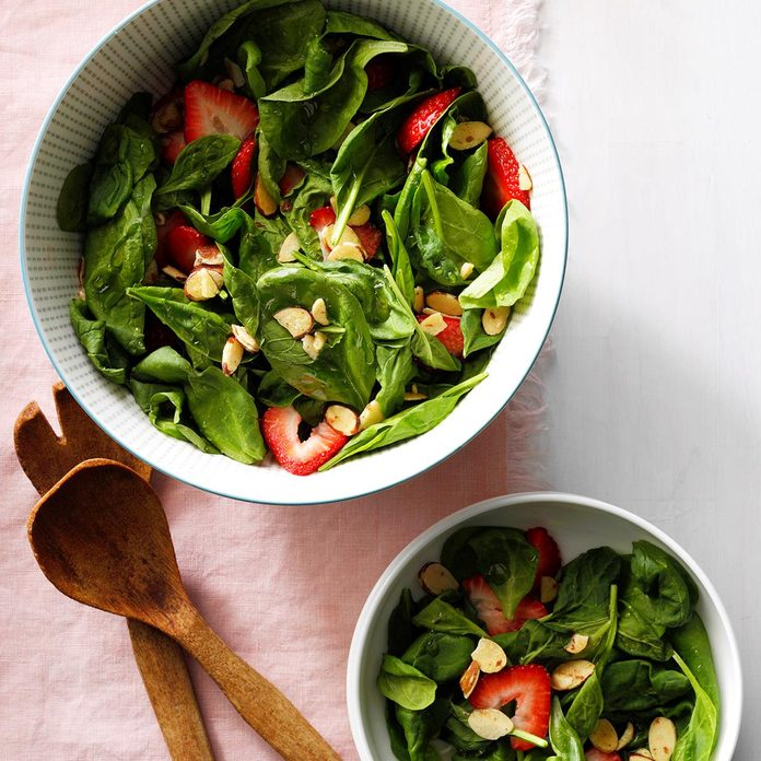 Almond Strawberry Salad Exps Sdam17 31859 B12 02 2b 5