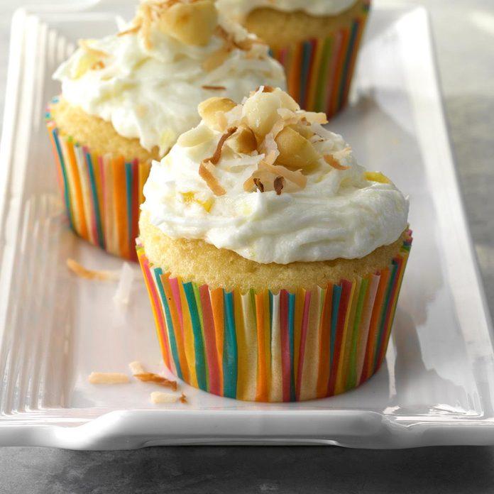 Aloha Cupcakes Exps Thfm18 206318 C09 15 8b 8