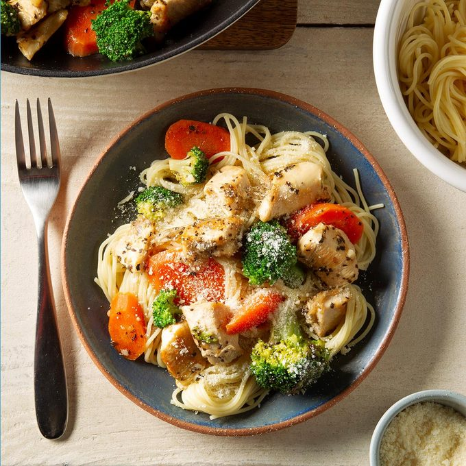 Angel Hair Pasta With Chicken Exps Ft20 38224 F 0122 1 3