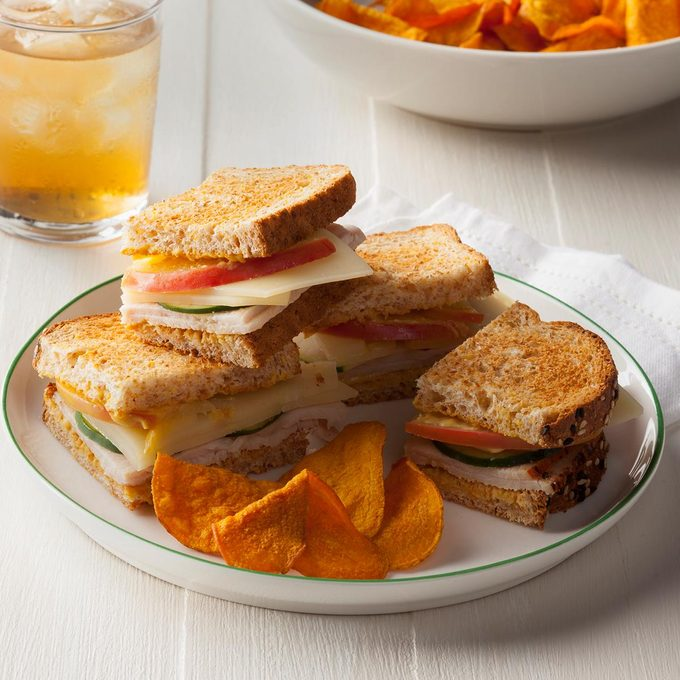 Easy School lunch idea-Sandwiches with Condiments on the Side