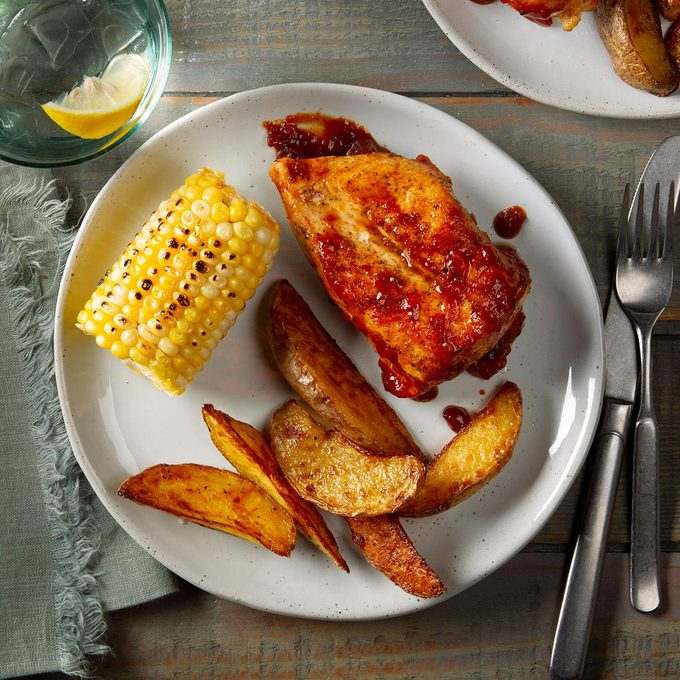 Applesauce Barbecue Chicken Exps Ft20 41953 F 0128 1 8