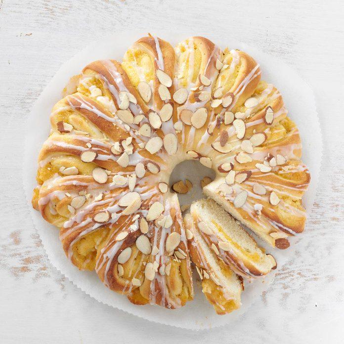 Apricot-Almond Tea Rings