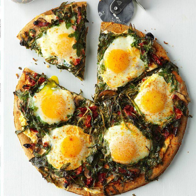 Arugula Mushroom Breakfast Pizza Exps Hck17 192796 D08 23 6b 3