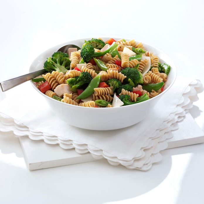 Asian Chicken Pasta Salad Exps102890 Thhc1997845c01 18 1bc Rms 3