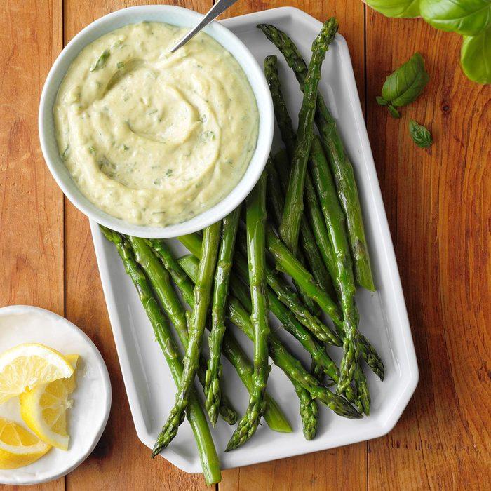 Asparagus With Fresh Basil Sauce Exps Cwas21 168442 E04 07 4b
