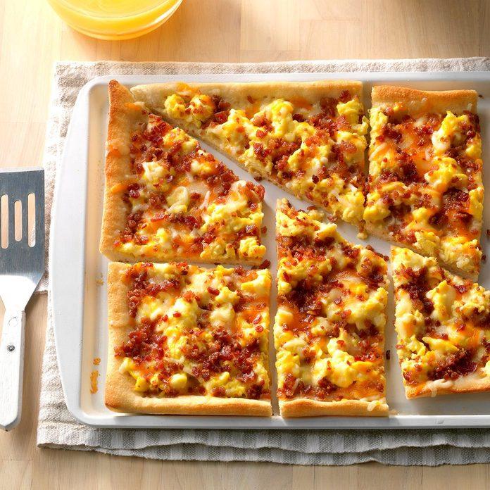 Bacon Breakfast Pizza Exps Sdon17 39715 D06 30 1b 3