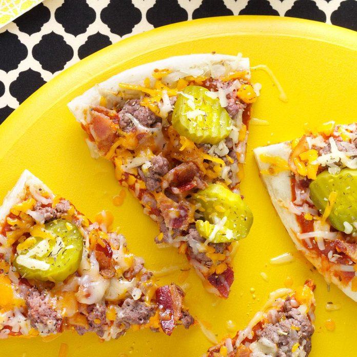Bacon Cheeseburger Pizza Exps9866 Sd2401789b08 07 2b Rms 1