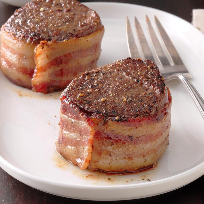 Bacon Wrapped Filets With Scotched Mushrooms Exps Thca21 133090 B02 24 5b 1