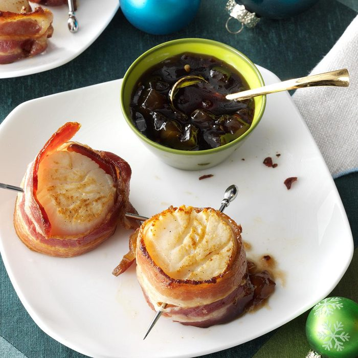 Bacon-Wrapped Scallops with Pear Sauce