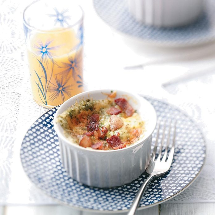Baked Eggs With Cheddar And Bacon Exps47815 Thhc1757657d27c Rms 2