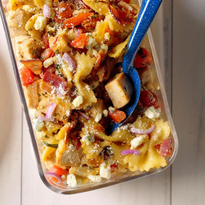Balsamic Chicken Pasta Salad Exps Mtbz18 44698 B03 13 5b