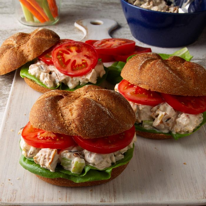 Barbecued Chicken Salad Sandwiches Exps Ft20 23027 F 0312 1 5