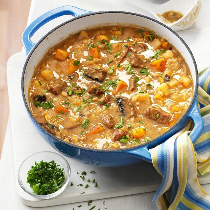 Beef Barley Soup With Roasted Vegetables Exps138600 Th2379800c04 26 6bc Rms