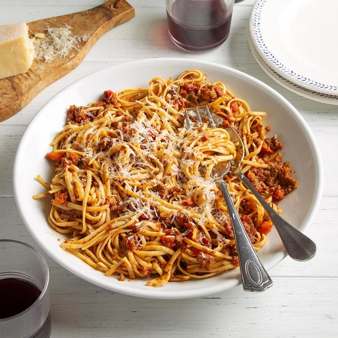 Beef Bolognese With Linguine Exps Ft21 130403 F 0423 1