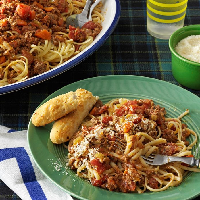Beef Bolognese With Linguine Exps130403 Th2379806d 09 05 4b Rms 2